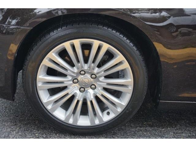 2012 Chrysler 300C Luxury Series Sedan