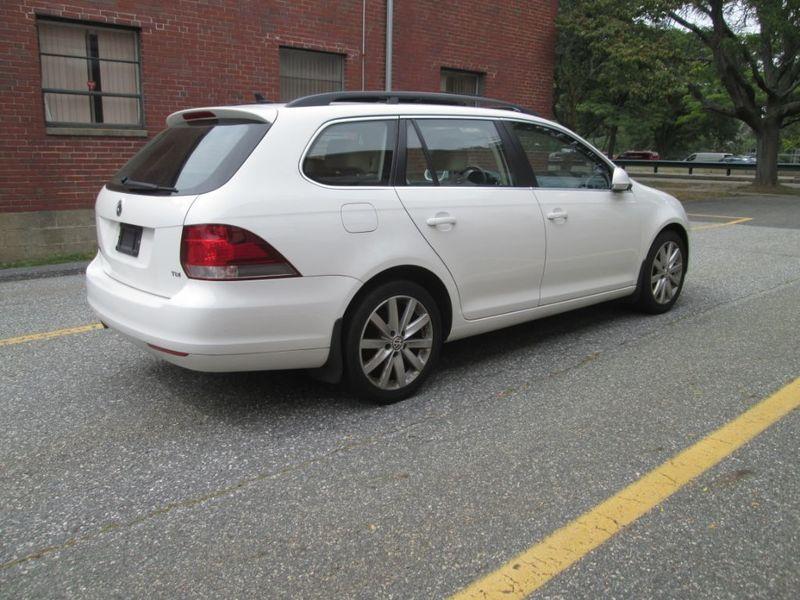 2012 Volkswagen Jetta TDI w/Sunroof & Nav