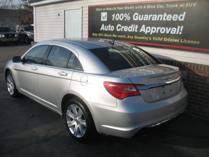 2012 Chrysler 200 LOW MILES SPORTY
