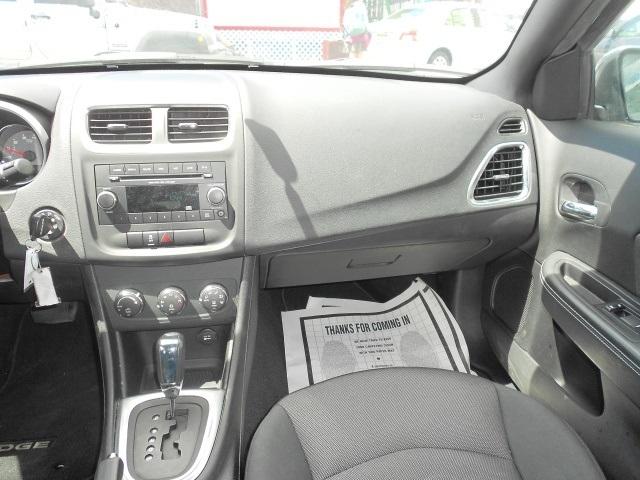 2012 Dodge Avenger SXT Sedan